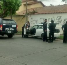 Detuvieron a ocho policías con droga