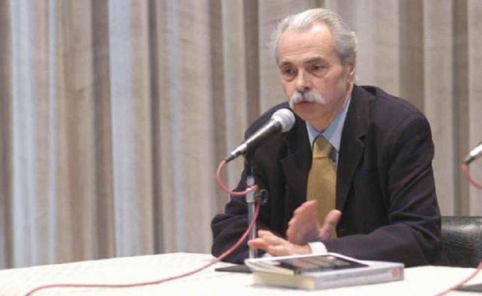 Santiago sylvester presenta una nueva antolog a de poes a for Espectaculos argentina 2016