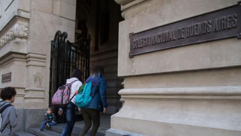 Lenguaje inclusivo: el colegio Nacional de Buenos Aires desmintió el examen